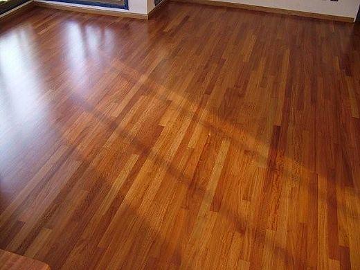 Novedades decomad soluciones en madera fitz roy 460 for Pisos de bar madera